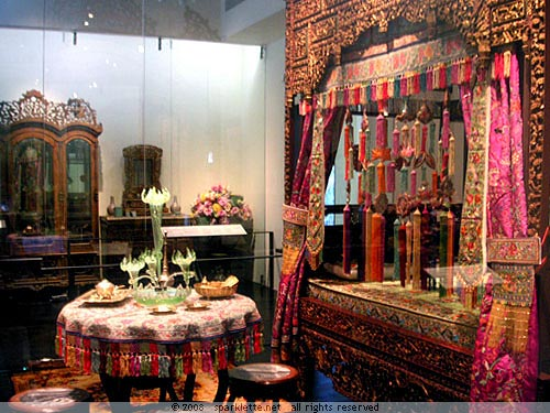 Peranakan life malaysia peranakan wedding ceremony for Asian wedding bedroom decoration